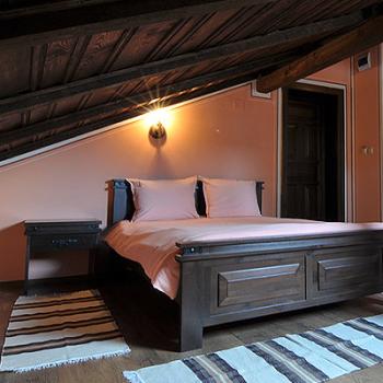 Спални и гардероби